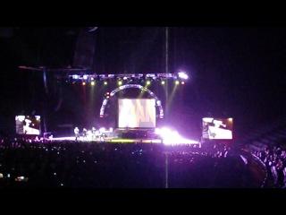 "Backstreet Boys ""Everybody (Backstreet's Back)"" (live)"